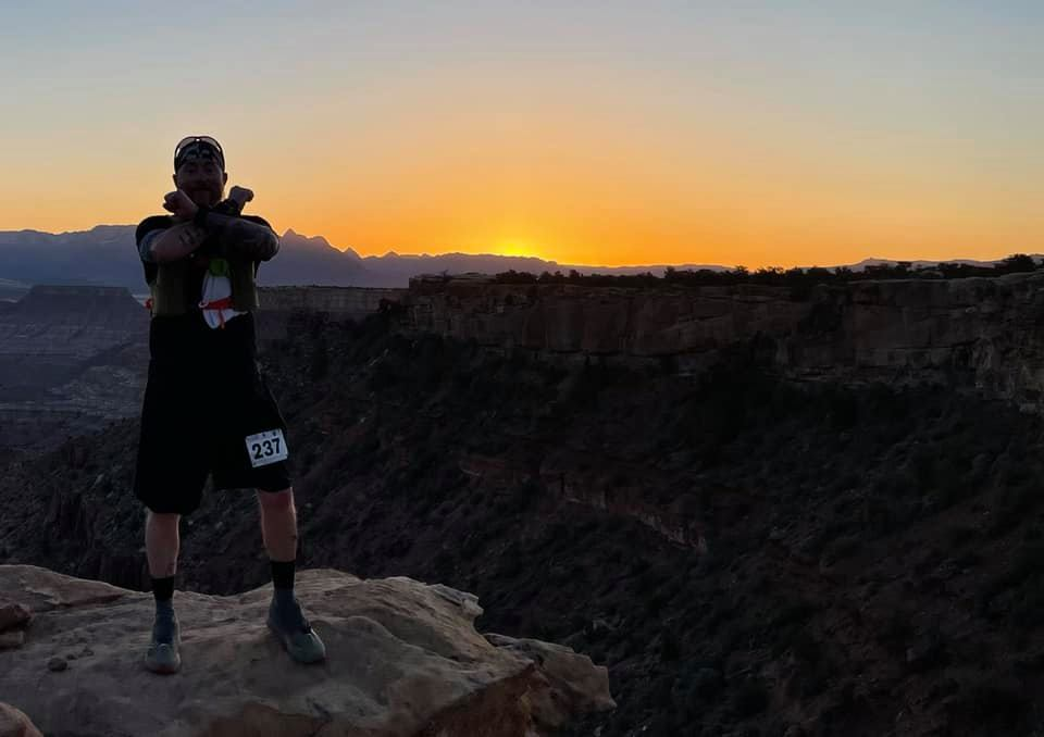 jeff morrick at the dawn of the zion 100 mile trail race